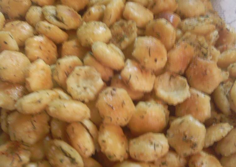 sunshine's baked oyster crackers