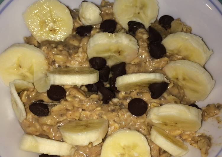 Easy Peanut Butter Banana Overnight Oats