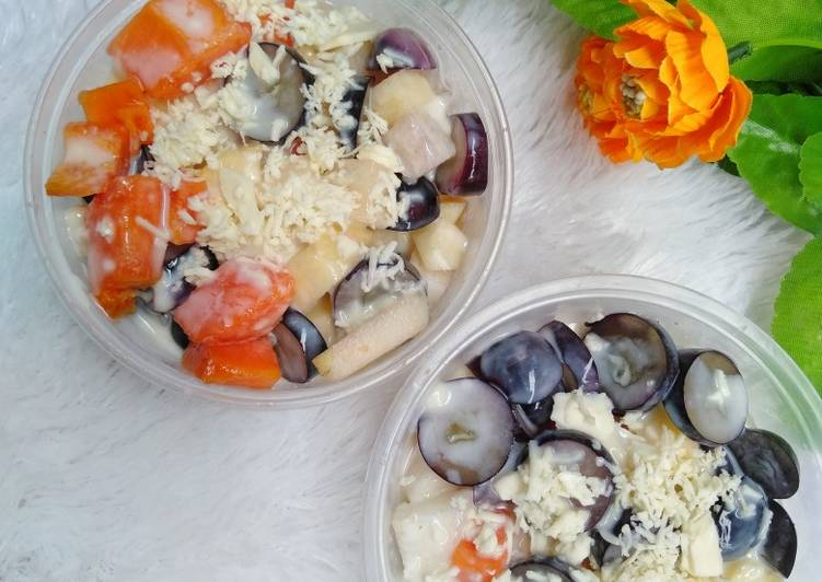 23. Salad Buah Sehat