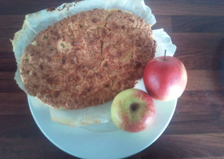 Peachy Apple Crumble Pie