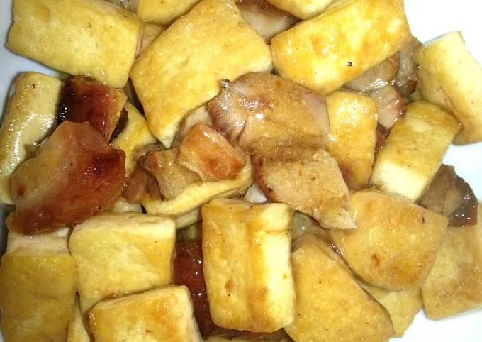 Stir fried bean curd with roast meat