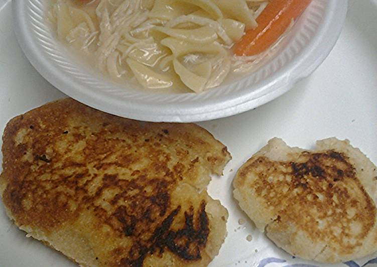 Chicken noodles with fried bread