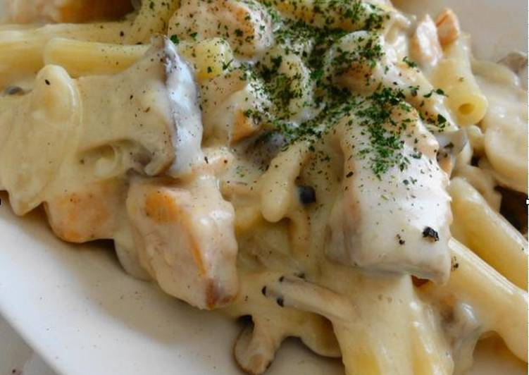 Recipe of Top-Rated Japanese-Style Salmon and Mushroom Tofu Cream Pasta