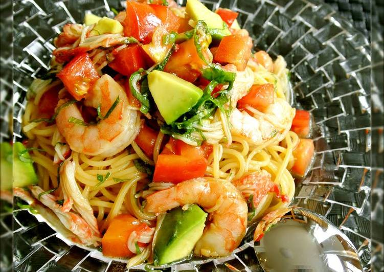 Recipe: Perfect Chilled Tomato, Avocado and Shrimp Pasta With Japanese Seasonings