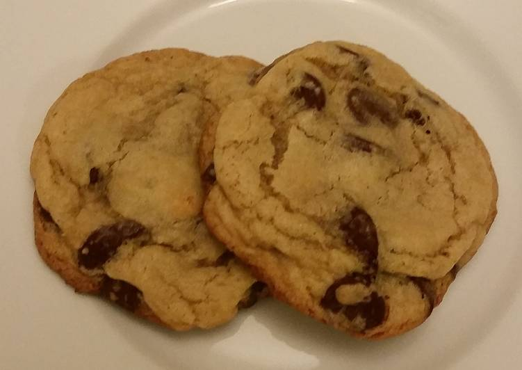 Big & chewy chocolate chip cookies