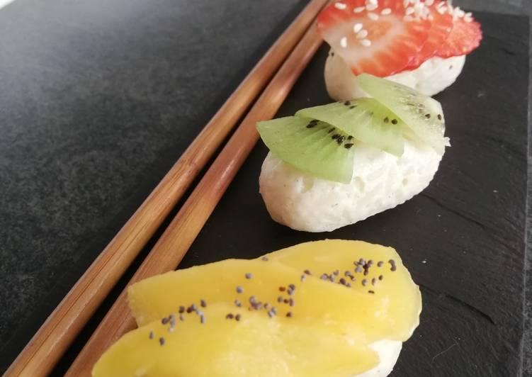 Sushis de riz au lait aux fruits et son coulis