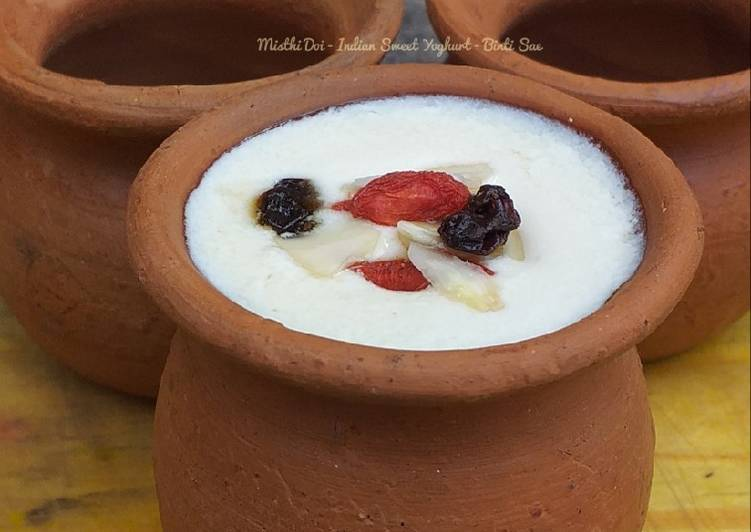 Misthi Doi (Indian sweet yoghurt)