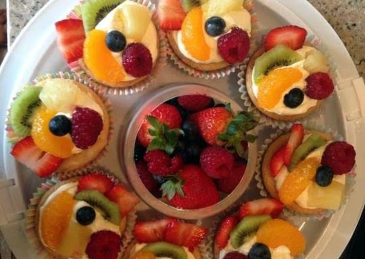 Mini Fruit Pizza