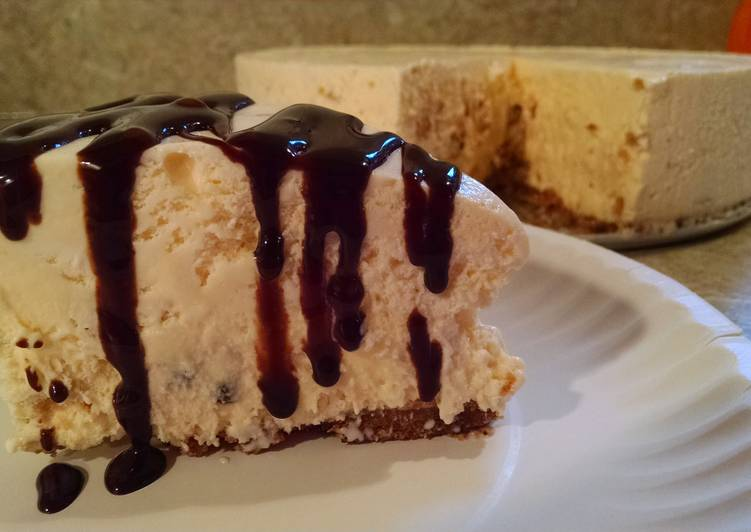 Chocolate Chip Cookie Ice Cream Cheesecake
