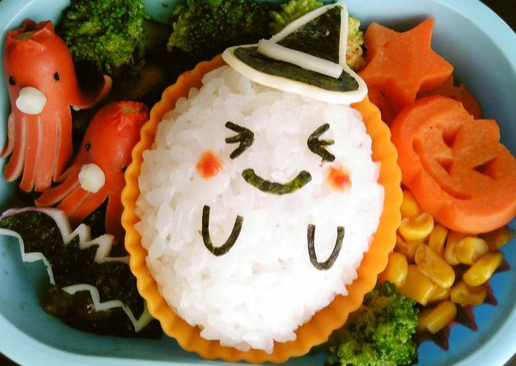 Eating 14 Superfoods Is A Terrific Way To Go Green And Be Healthy Halloween Ghost Character Bento