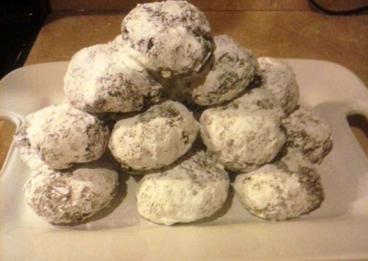 Chocolate and coconut surprise cookies
