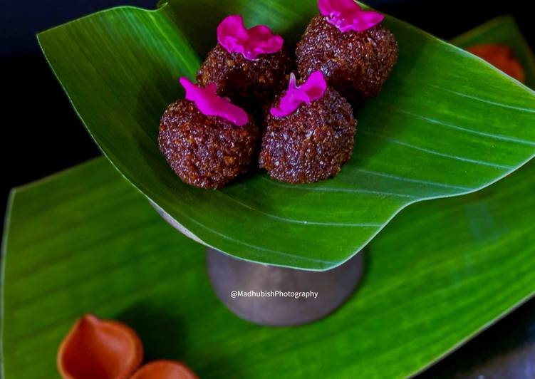 How to Make Quick Flaxseed Coconut Jaggery Ladoo