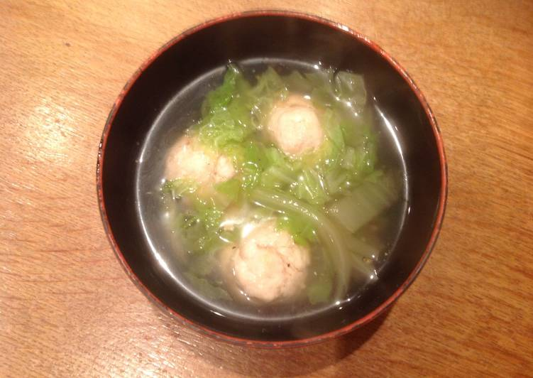 Chicken ball soup with Chinese cabbage