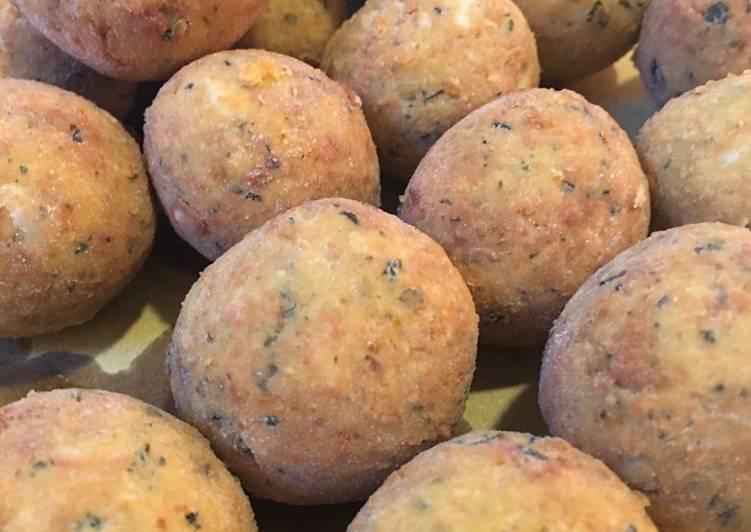 Ricetta Pallot cacio e ove (polpette formaggio e uova)