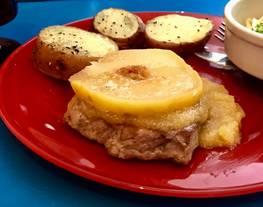 Medallones de carre de cerdo con membrillo acaramelado y salsa gravy de membrillo y chardonay (Slow Cook)