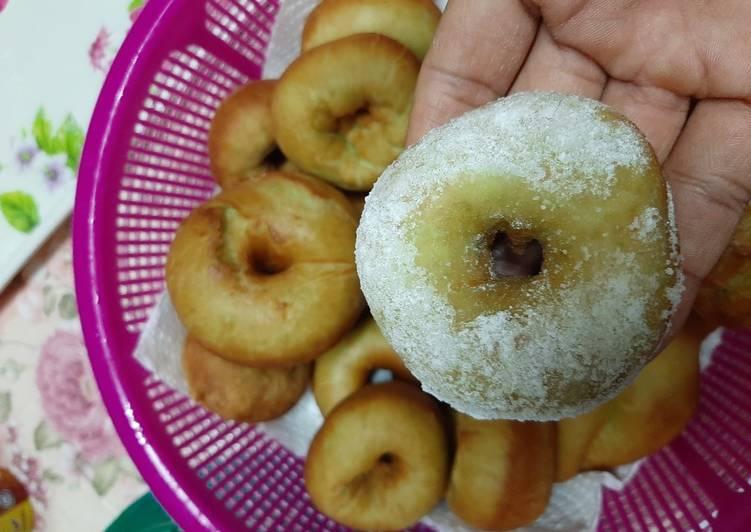 Donut kentang hijau pandan