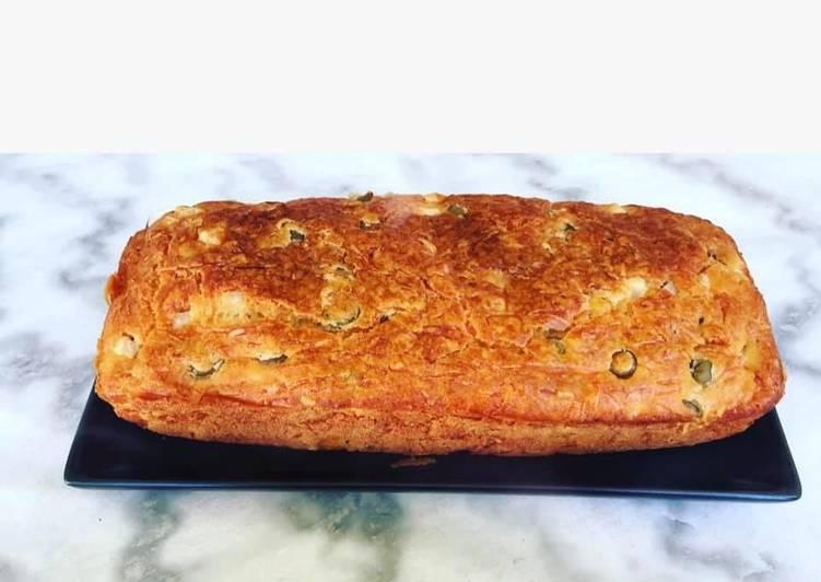 La Délicieuse Recette du Cake au poulet et aux olives