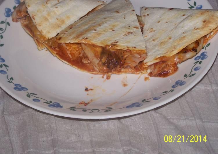 Steps to Prepare Favorite Chicken Quesadilla