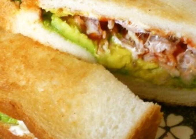 Kua'aina-Style Avocado & Tuna Toasted Sandwiches