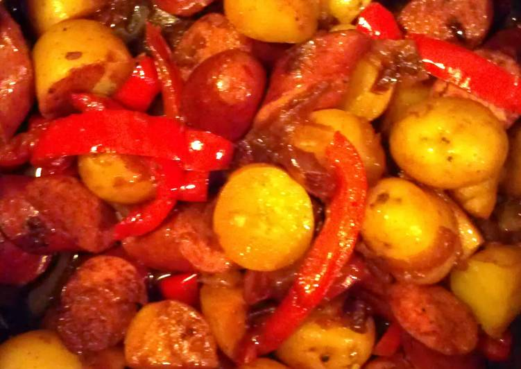 Best Comfort Dinner Easy Blends Kielbasa potatoes and peppers