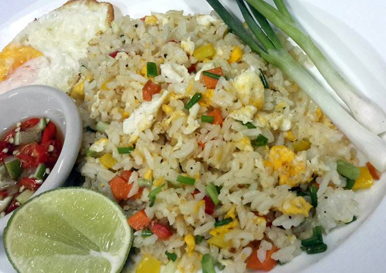 Recipe: Perfect Egg Fried Rice / Thai Style Serving