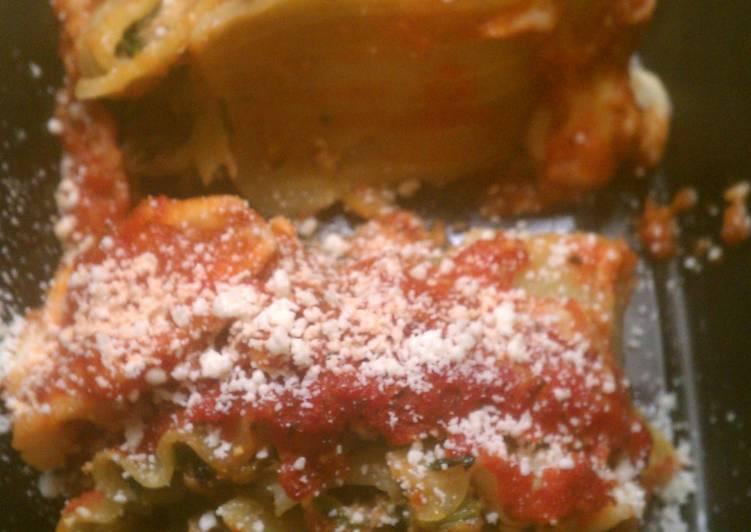 Pesto Turkey Florentine Lasagna Roll Ups