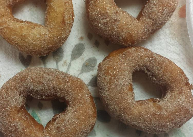 How to Prepare Tasty Donuts (from bisquits)