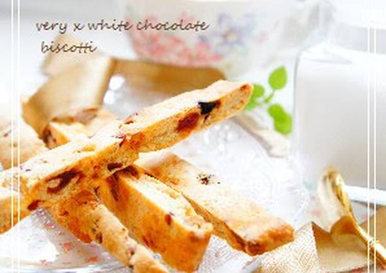Simple Way to Make Super Quick Homemade Biscotti with Berries and White Chocolate