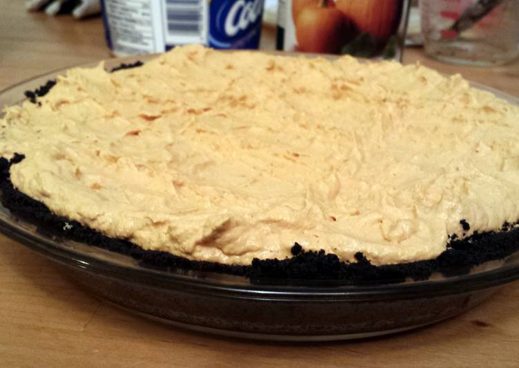Easiest Way to Make Super Quick Homemade No-bake Halloween Pumpkin Patch Pie