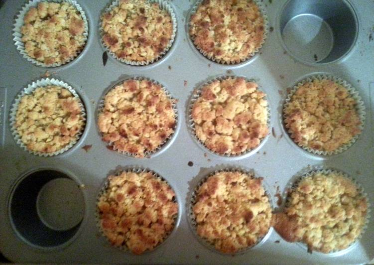 Toffee apple crumble cupcakes