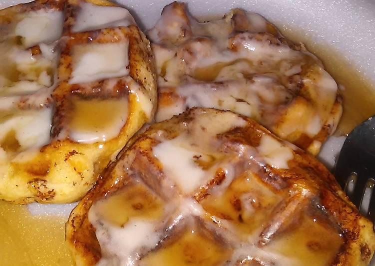 Nikki's Cinnamon roll waffles