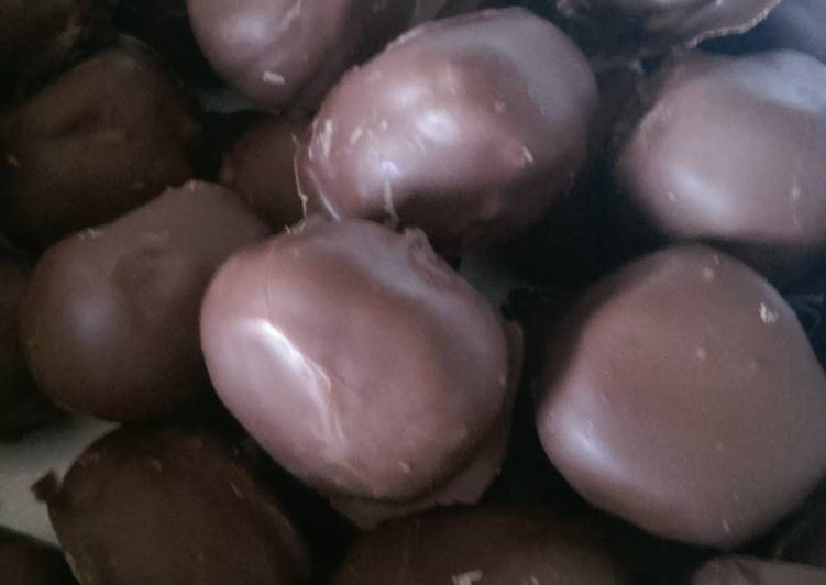 Peanut butter balls – Simply Recipes Cookbooks