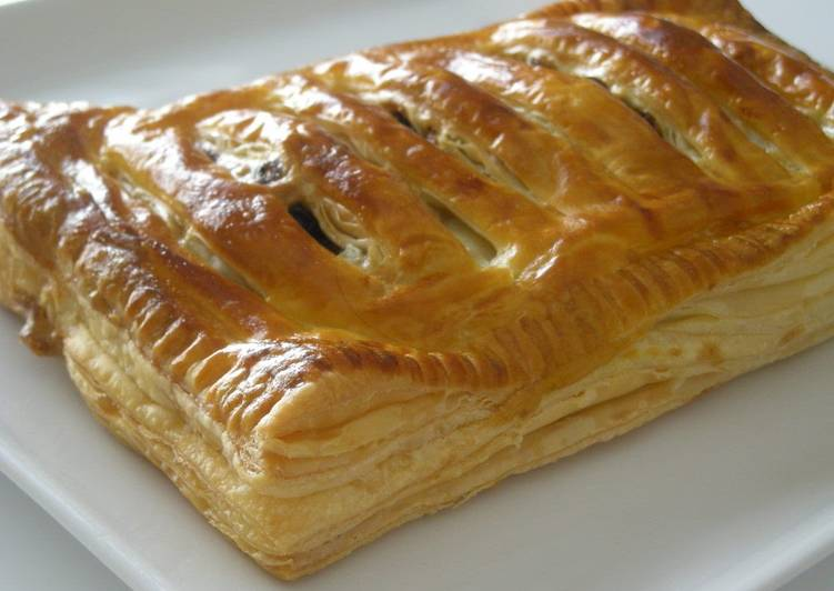 Easiest Way to Prepare Homemade Easy Apple Pie with Frozen Puff Pastry