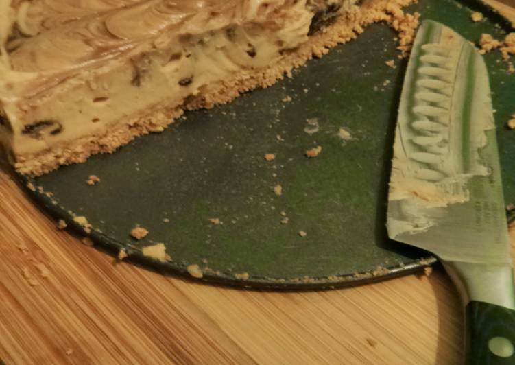 No-Bake Peanut Butter and Chocolate Marbled Cheesecake