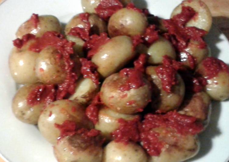 Discover How to Improve Your Mood with Food Patatas Bravas (vegan)