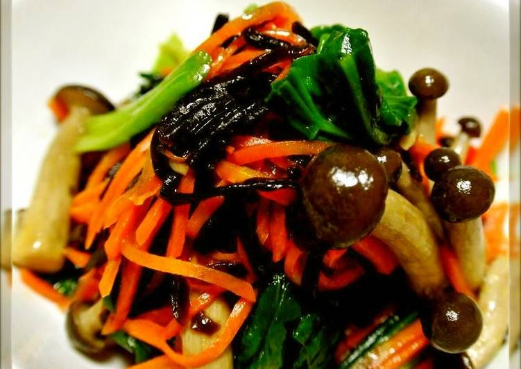 Recipe of Super Quick Homemade Spinach, Carrot, and Shimeji Mushroom Namul (Korean-Style Salad) with Salted Kombu Kelp