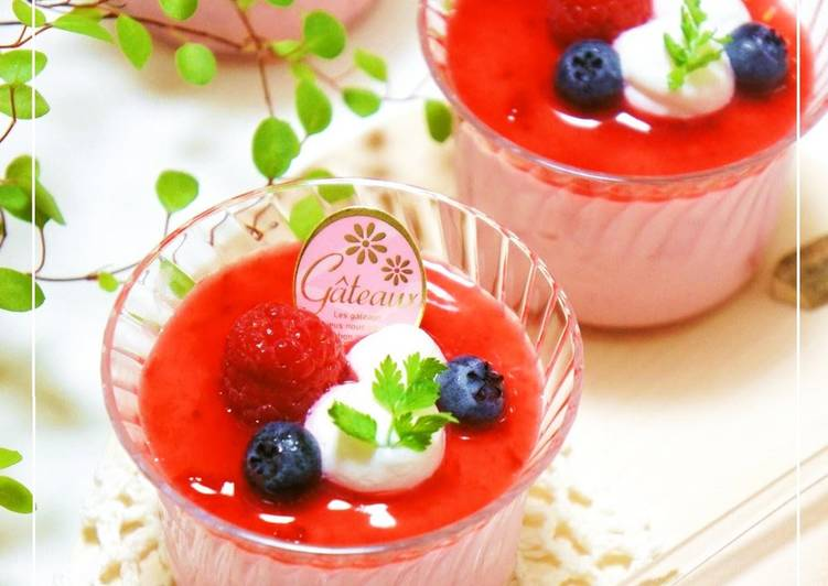 Simple Way to Prepare Ultimate No-Bake Strawberry Cheesecake Mousse with Strained Yogurt.
