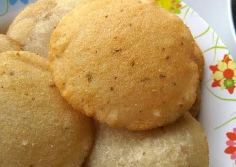 African Dish Deep fried rice pancake or Neipathiri