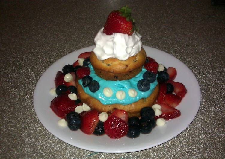 Rick's Red White and Blue Cheese-Berry Muffincake for Two