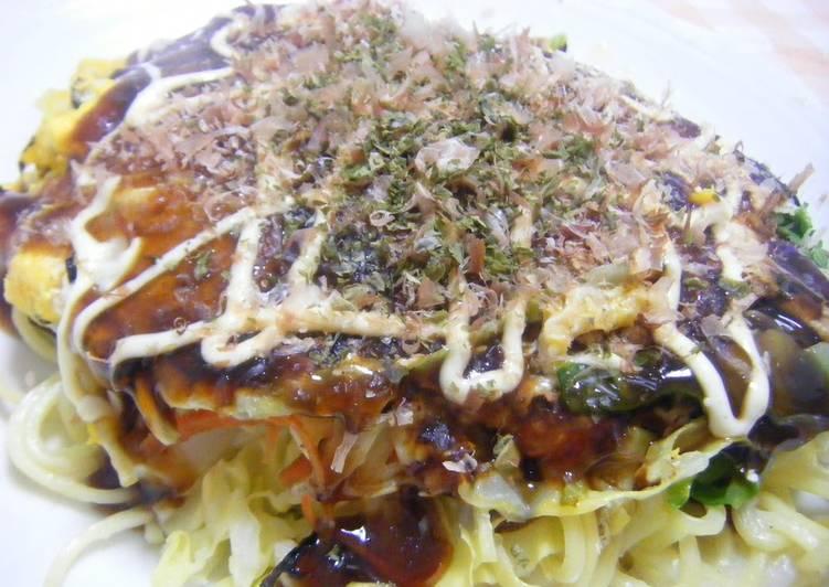 Steps to Make Any-night-of-the-week Manly Hiroshima-style Okonomiyaki