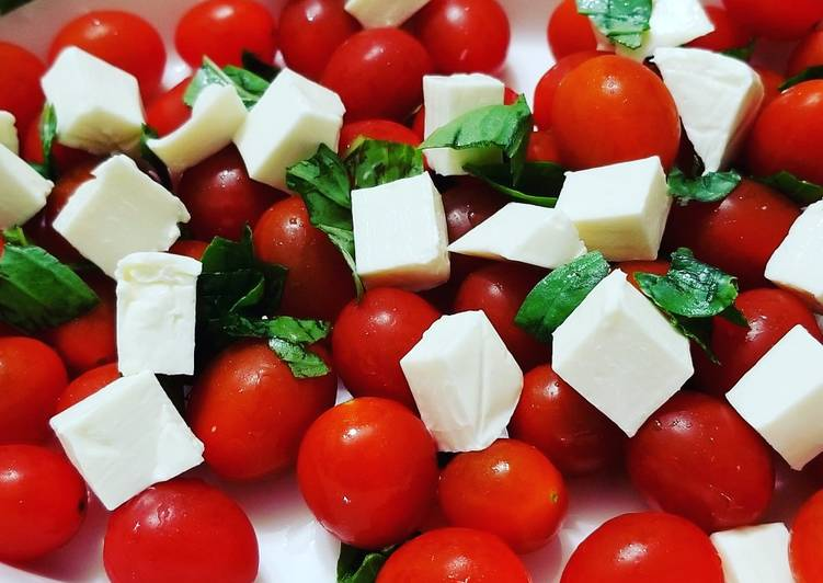 Easiest Way to Prepare Most Popular Lazy Basil Tomatoes and Cheese Salad