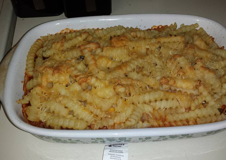 How to Prepare Tasty Cheeseburger French fries casserole