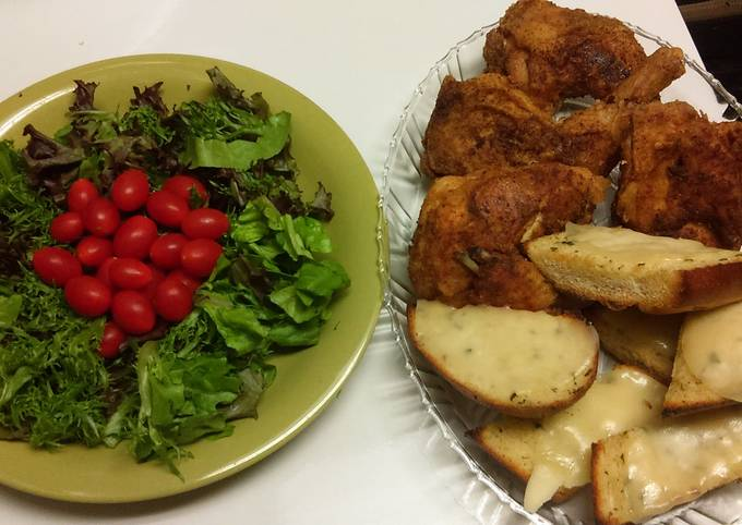 Simple Salad with chicken and garlic toast