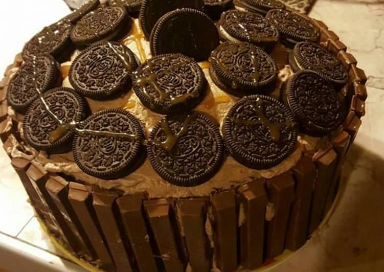 Oreo kit Kat chocolate cake