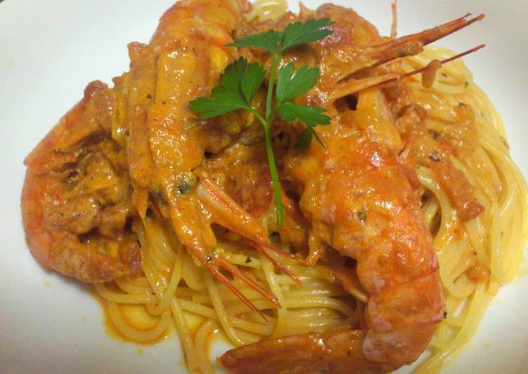 Shrimp (w/ Heads) Tomato Cream Pasta