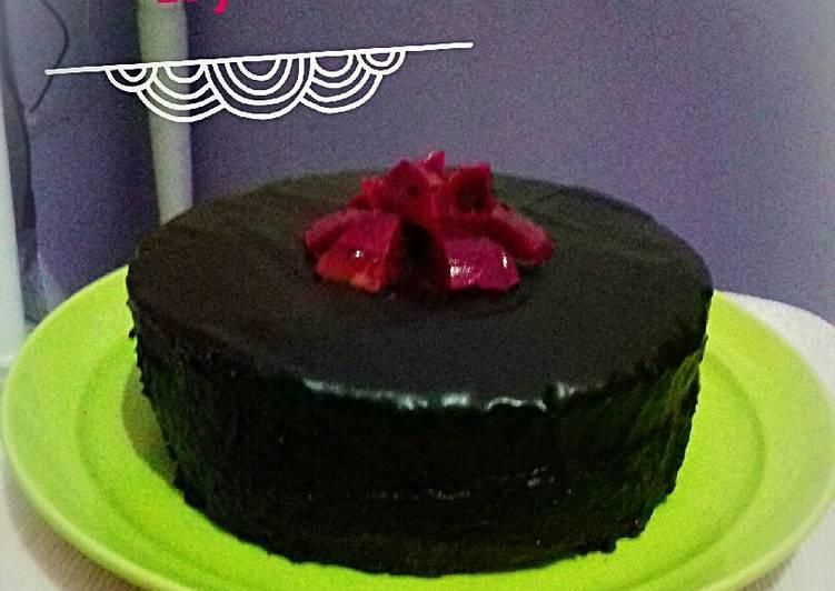 Kue ultah siram coklat