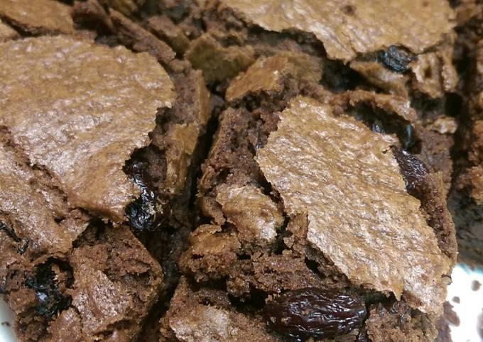 Chocolatey Raisinet Brownies