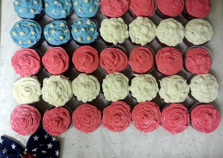 Red Velvet Cupcakes with White Chocolate Filling & Cream Cheese Icing - 4th of July