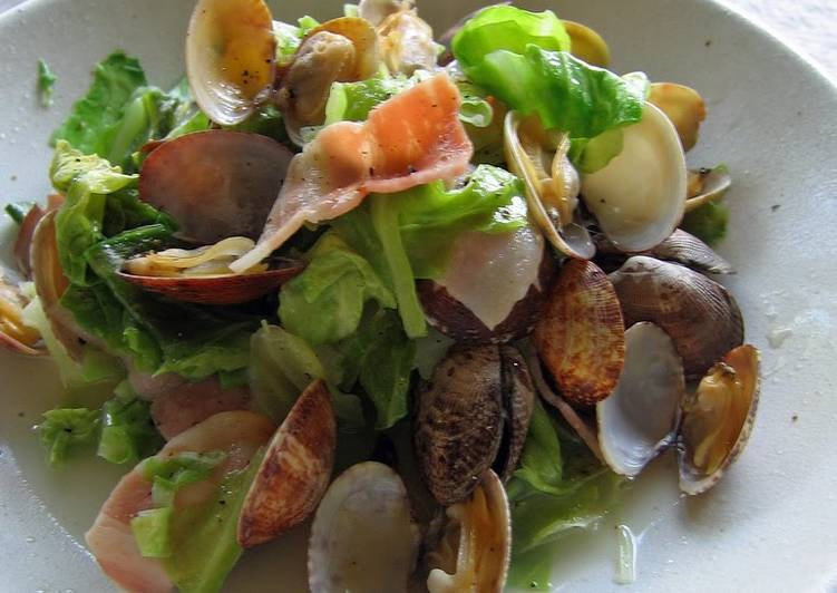 Easiest Way to Prepare Yummy Microwave-steamed Manila Clams and Cabbage