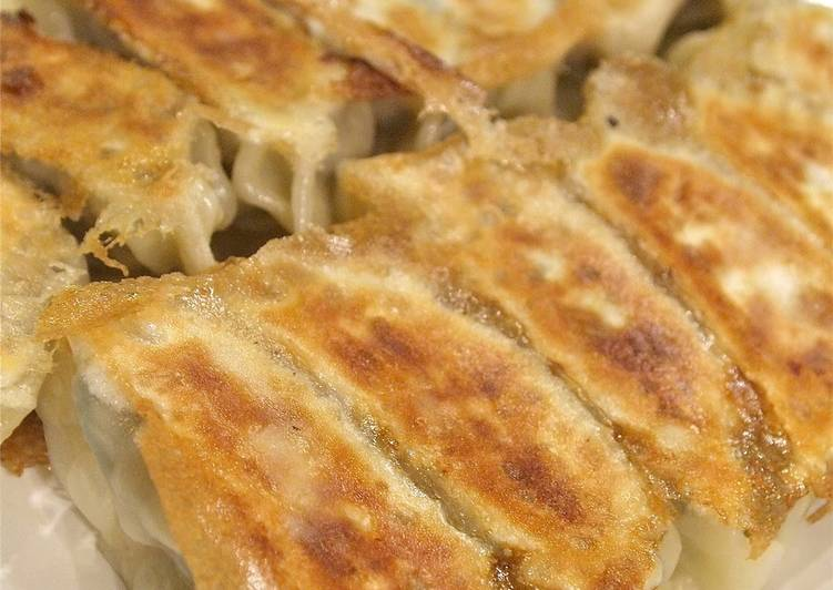 Recipe of Any-night-of-the-week Rich, Juicy Gyoza with Mixed Mince